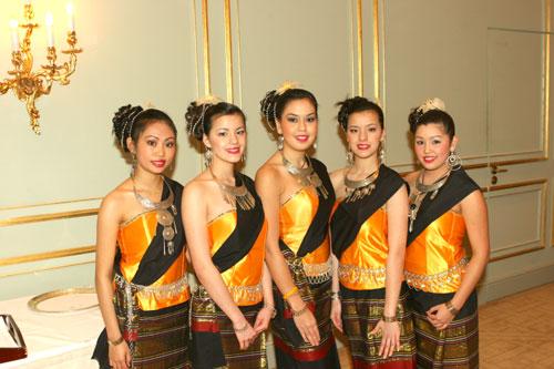 Geburtstag Des Thailaendischen Koenigs Farang Archiv 2007